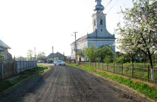 Biserica in dimineata de Pasti