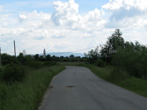 Drum verde spre sat