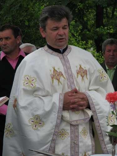 Pastorul parohiei Bozinta- preotul Pop Ioan