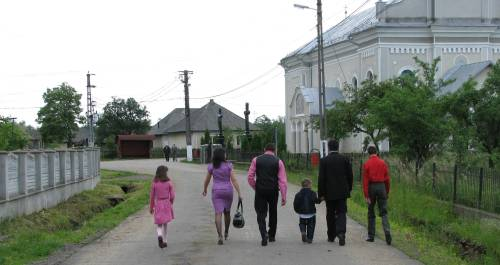 Spre biserica